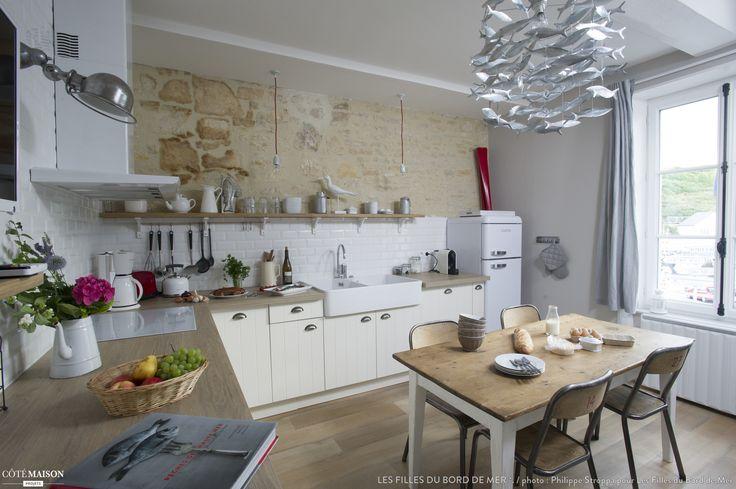 Appartement de vacances sur les quais d'un Port de pêche Normand, Port-en-Bessin-Huppain, Les Filles du Bord de Mer *. - user