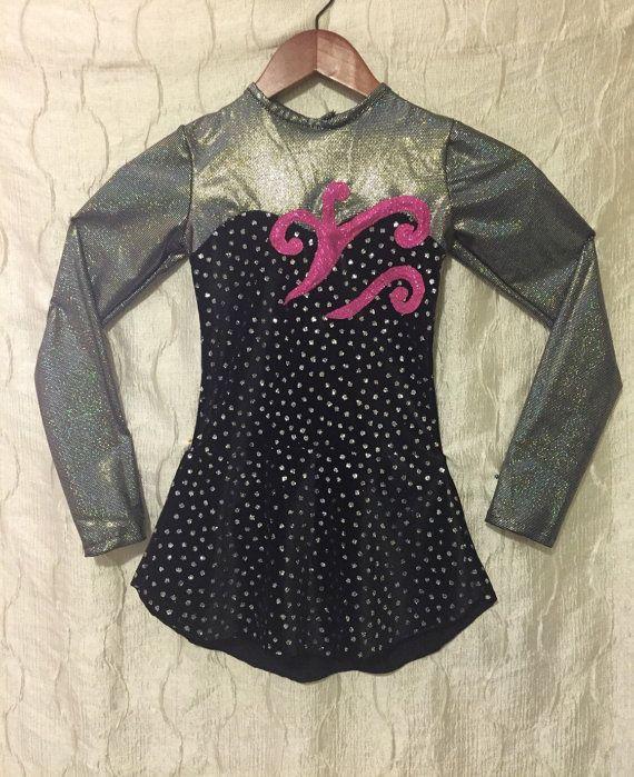 Robe de patinage artistique de filles : Taille 8