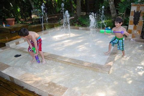 DIY build own waterpark in back yard for kids not very much money and kits available