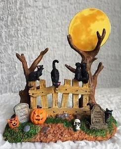 Lemax-Spooky-Town-Halloween-Happy-Howl-O-Ween-Village-Accent