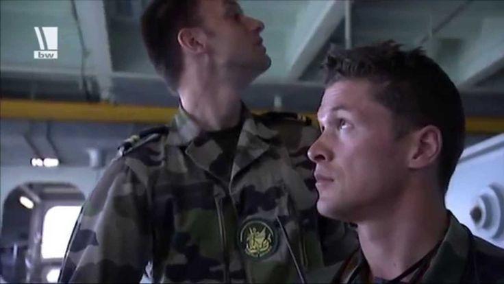 Deutscher Offizier auf französischem Hubschrauberträger - Reportage