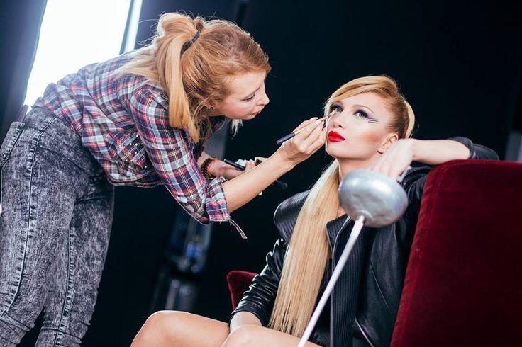 #slaparisromania #makeupproducts  MUA: Bianca Marca, Artist: Lora