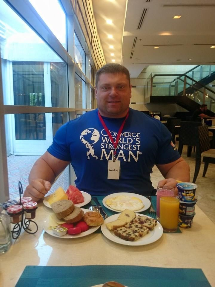 Ronnie Coleman Eating Food