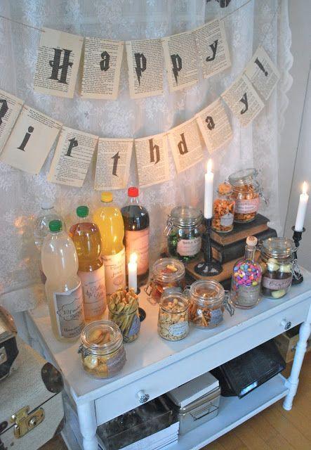 Bei uns kommen gleich ein paar Gäste zu Besuch, um mit uns den Geburtstag unseres Jüngsten zu feiern. Passend zu denEulenpost-Geschenken, ist auch das Buffet im 'Harry Potter Stil' gehalten.Wir konnt