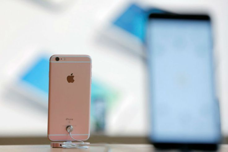Best cell phone deals in August http://www.csmonitor.com/Business/Saving-Money/2016/0801/Best-cell-phone-deals-in-August #smartphone