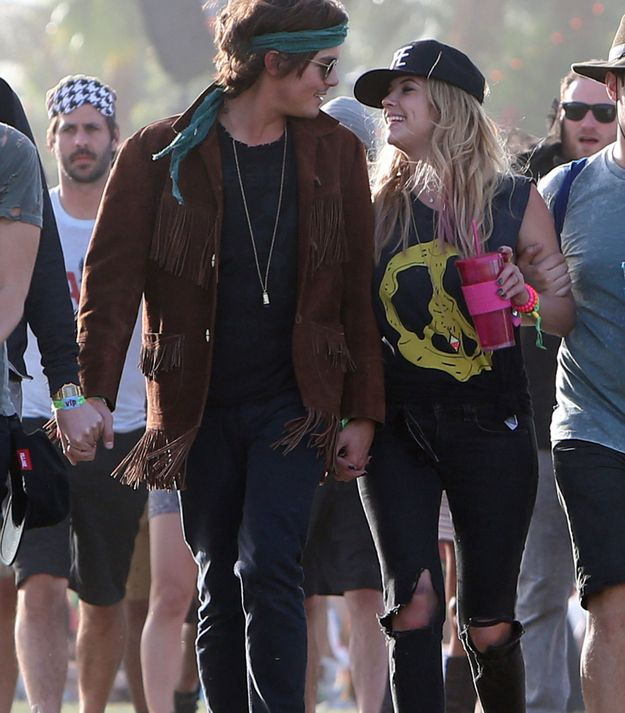 Ashley Benson Is Dating Tyler Blackburn TOO MUCH CUTE