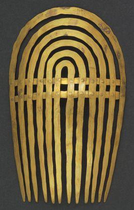 Comb  Alexander Calder (American, 1898–1976)    before 1943. Hammered brass,