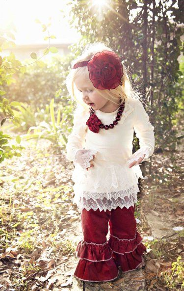 Persnickety Holiday Necklace 2013 - I love the outfit. I wish my little girl would wear pants.