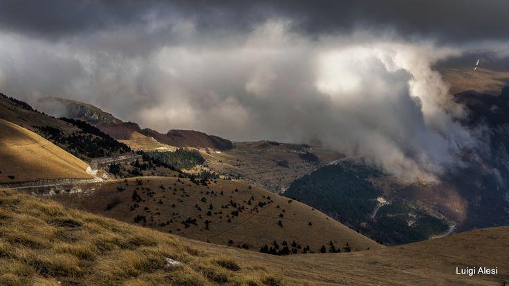Monti Sibillini - la nebbia avvolge Pintura di Bolognola