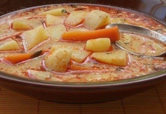 Tejfölös krumplileves
