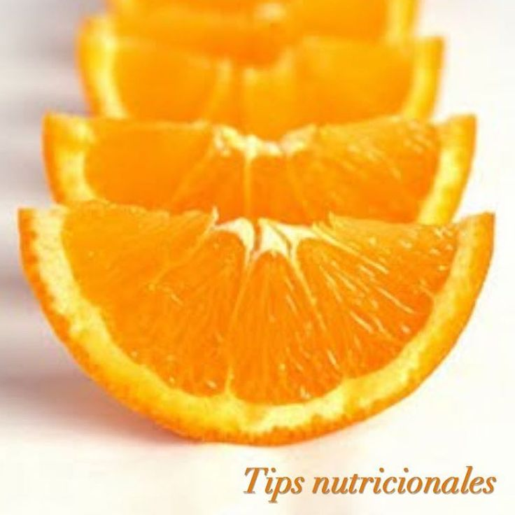Consume more foods with Vitamin C, as it is involved in the synthesis of collagen that improves the appearance of your skin and strengthens bones, ligaments and tendons. You find it in fruits like guava, orange, kiwi and green leafy vegetables. #TipsFajasDiseñoD'Prada