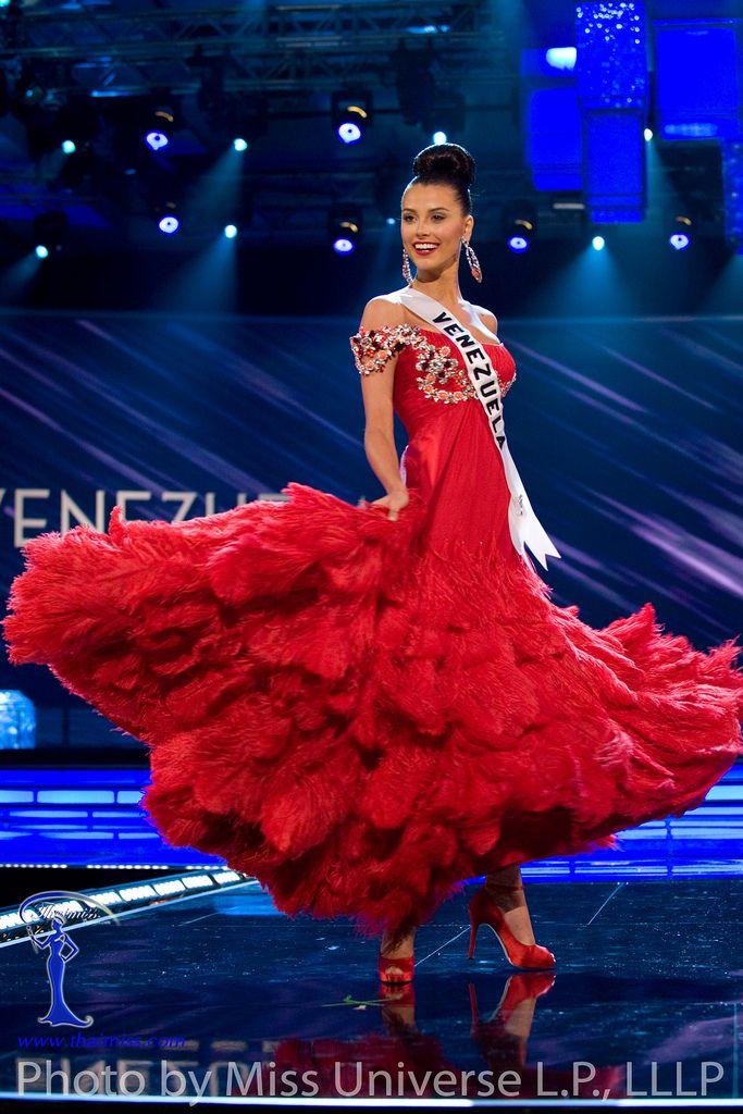 El Vestido de Gala rojo de Miss Venezuela en Miss Universo 2009