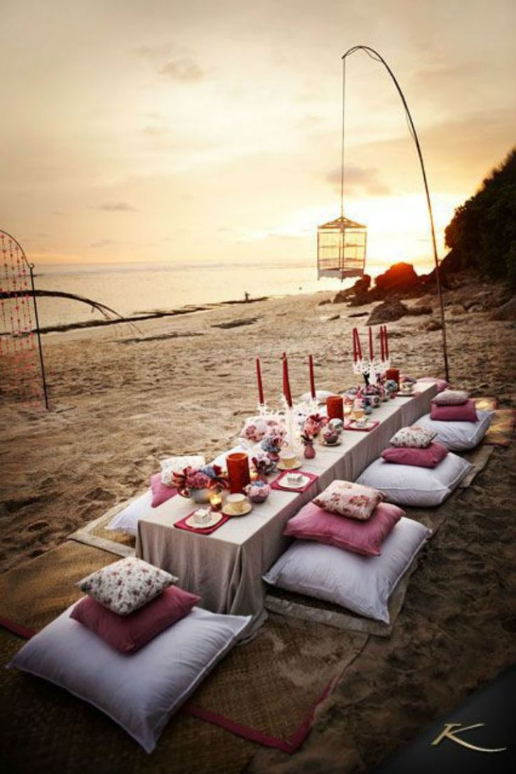 9x tafelen op het strand