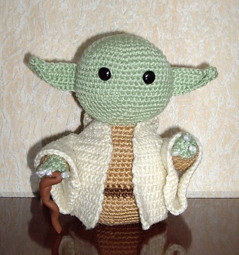 Ravelry: free Yoda Jedi Master Amigurumi pattern by Alba Perez Star Wars Un...
