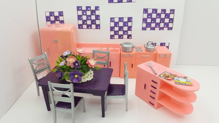 Plasco Kitchen Toy Dollhouse Traditional Style 1944 fridge Stove Sink Counter Table Chairs Pink Purple