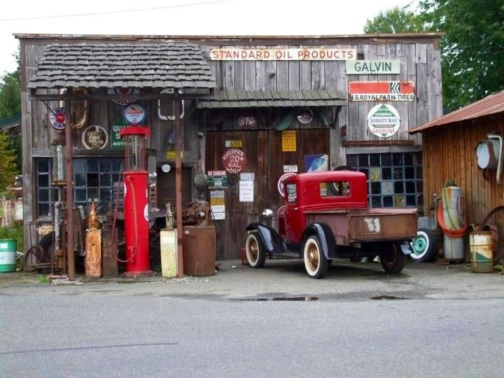 26 best vintage garages shops and businesses images on for Garage auto fab ennery
