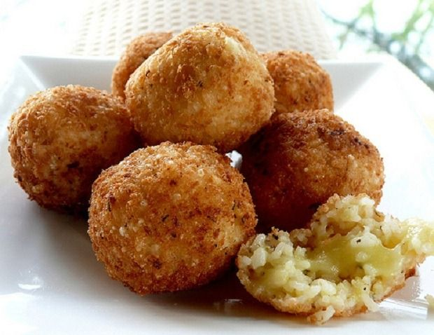 Supplì: Rice balls stuffed with mozzarella, breaded and deep fried. Most often found in pizzerias.