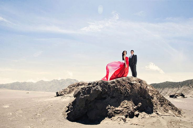 Wild desert lanscape | Ricky and Melissa's Engagement Shoot at Mount Bromo, Indonesia