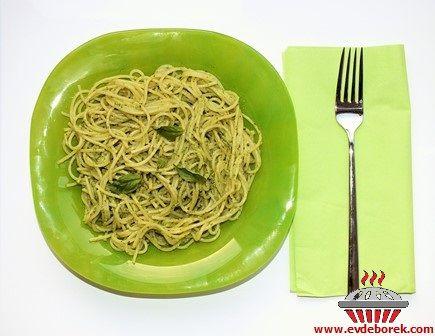 Fesleğenli Pesto Soslu Makarna