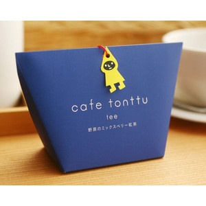 Mixed berry tea by Cafe Tonttu.