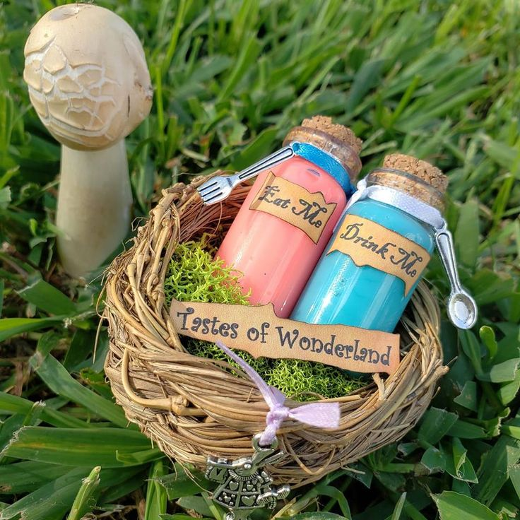 Tastes of Wonderland Inspired Desk Trinket