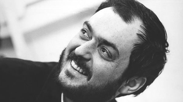 Lo que aprendí de Stanley Kubrick - No se si lo sabias pero Stanley Kubrick antes de ser cineasta, productor y director de cine fue fotógrafo. Quizás sea su etapa más desconocida, pero descuida, en este artículo vamos a profundizar en los primeros pasos de este genio del siglo XX.  #fotografía #photography #photo #cine #art