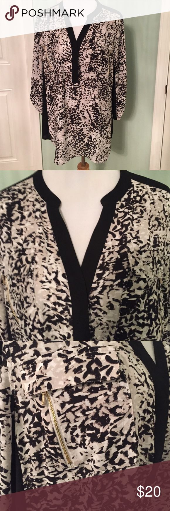 Layne Bryant Size 18/20 -Like New Blouse! So cute! Like New! Black, white, and gray. Lightweight and flows really nicely. Zipper accents. Size 18/20 Lane Bryant Tops Blouses