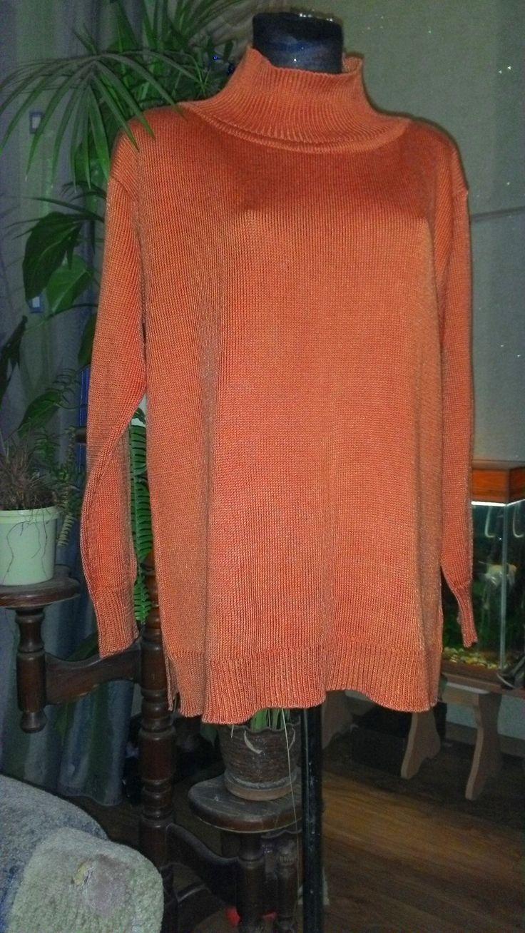 свитерок из вискозного шелка,машинная вязка 5 класс,кулирная гладь и резинка .Просто и со вкусом , вискозный шелк с благородным блеском и легкой прохладой..
