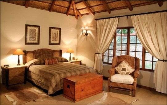 Khaya Africa Lodge is a unique and exclusive guesthouse with conference facilities, situated on the outskirts of Johannesburg overlooking the city and Carlswald valley. It offers spacious bedrooms decorated in Contemporary Decor reflecting the ambiance of Africa.
