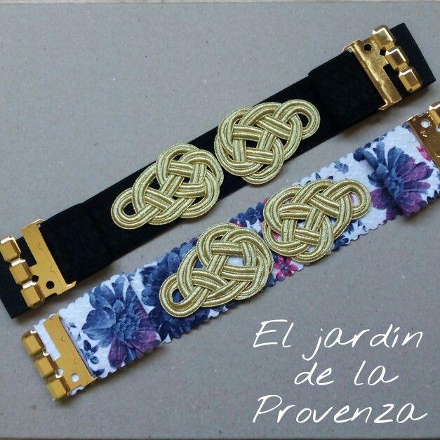 Cinturón con aplique de pasamanería dorada sobre elástico brocado o estampado...
