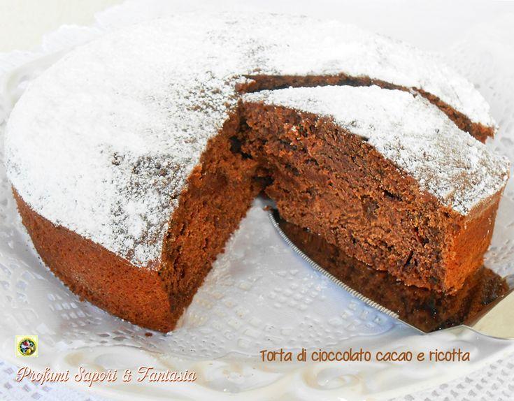 Torta di cioccolato cacao e ricotta, dalla consistenza soffice ma umida allo stesso tempo. La ricotta dona morbidezza e una nota delicata alla torta.
