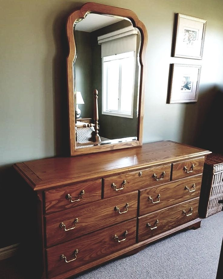 More beautiful skylar oak home furnishings. Three more days to bid! At $4 currently!  https://auction.blackpearlemporium.ca/m/#/auction/36/item/wide-chest-of-drawers-with-attached-mirror-all-oak-sklar-peppler-1015 #homefurnishings #homedecor #bargains #onlineauction #oak