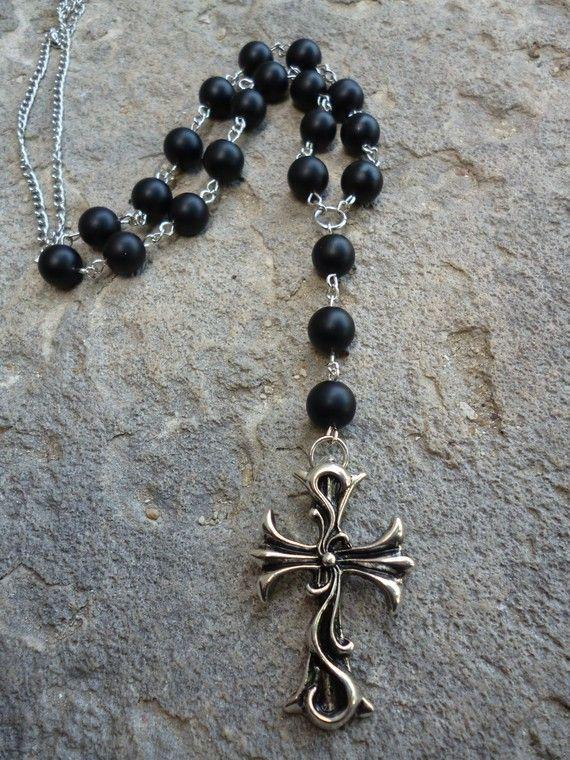 Collier chapelet homme croix gothique perles noires