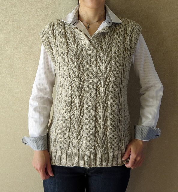Ravelry: Project Gallery for #20 Tree of Life & Honeycomb Vest pattern by Atsuko Takeda (武田敦子)