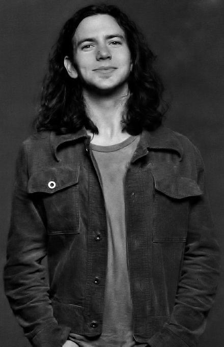 1000+ images about Young eddie vedder on Pinterest | Matt ... Young Eddie Vedder