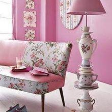 Sala de Estar Rosa com Luminária de Chão feita com