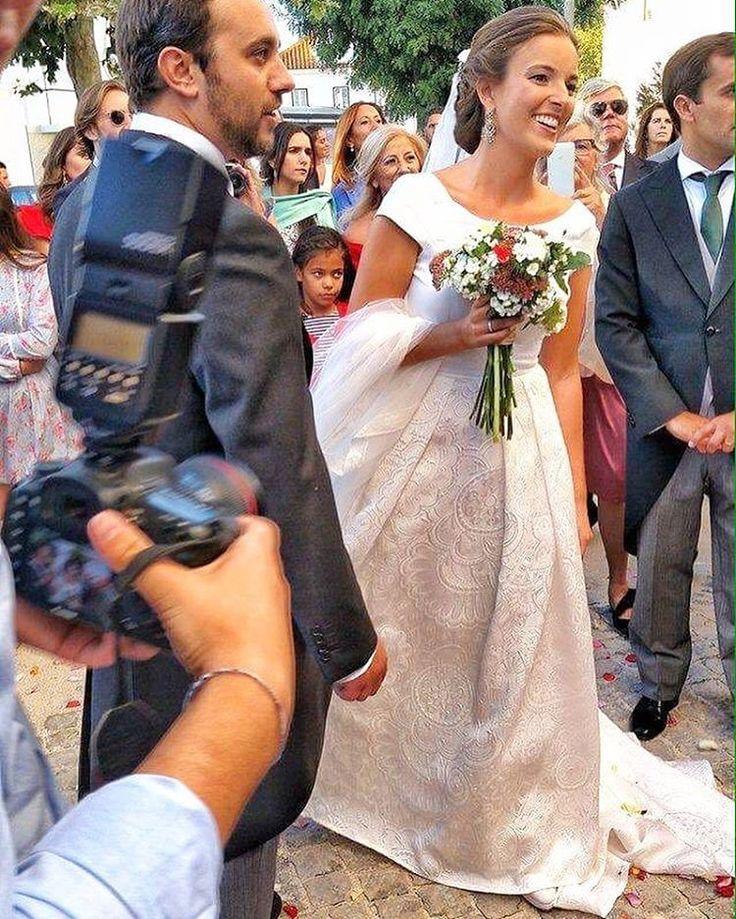 Constança ❤️ Thank you for sending me photos live on your day! We can't wait to see our dear brides on their wedding!! #purezamellobreyner #purezamellobreyneratelier