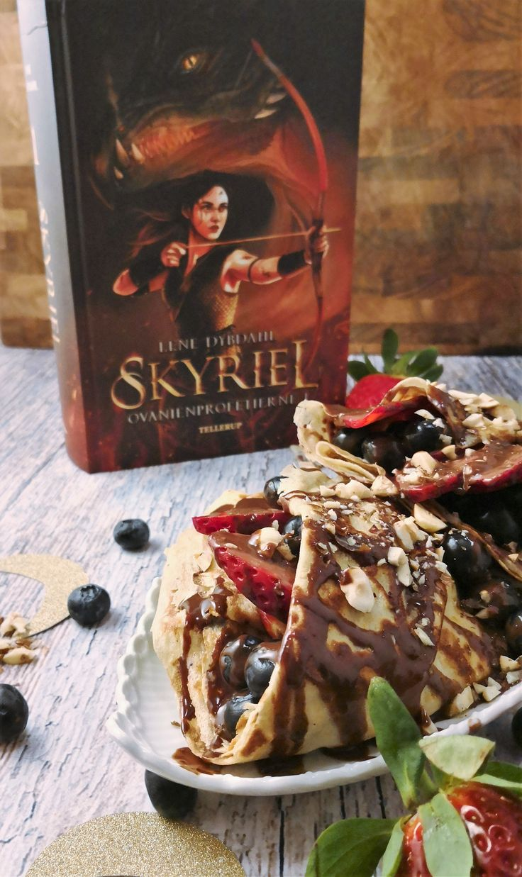 Moorish citrus crepes filled with fruit and drizzled with creamy chocolate sauce (from the book Skyriel)