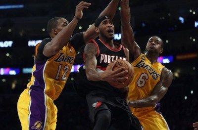 Lakers Kembali Menelan Pil Pahit - Lakers tidak dapat memberi perlawanan banyak, saat datang ke markas Trail Blazer, Lakers dipaksa menelan pil pahit untuk kesekian kalinya secara berturut-turut