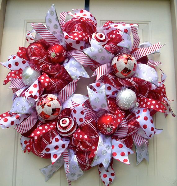 Red and White Christmas Wreath Deco mesh Christmas by LisasLaurels