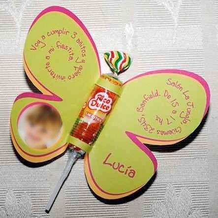 Tarjeta con chupetin y forma de mariposa - Tarjeta de cumpleaños