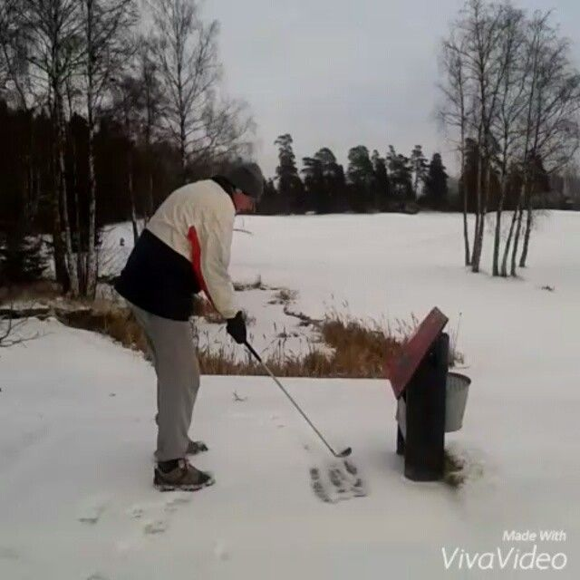Almost hole in one, but but st the end only par.#snowgolf #wintergolf #norwegianwinter #wedgeswing #winter #norwegiangolfer #oldmangolfer #wintertee #snowshuffeling #snow #golfaddict #alwaysgolf #golfforlife #golfball #golffun #golflove #golflife #justgolf #natureaddict #lovenature #gooutside #golfcourse #visitnorway #golfclub #golfclothes