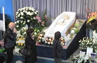 Awesome 5 of Aaliyah Funeral Open Casket | Google Search