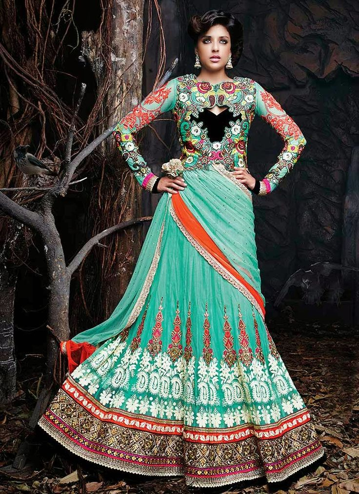 Fashion: Collection of Grand Lehenga Cholis Fit For a Queen With Rich Appliques