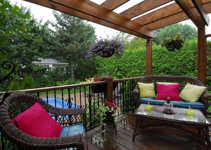 Aménagement paysager résidentiel terrasse extérieure