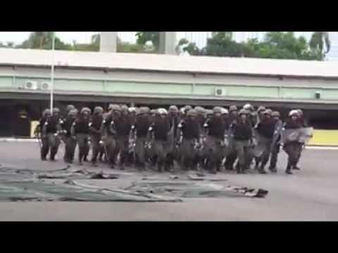 Exército tropa de choque cantando  Ataca a Jararaca  Cobra  Dilma Será