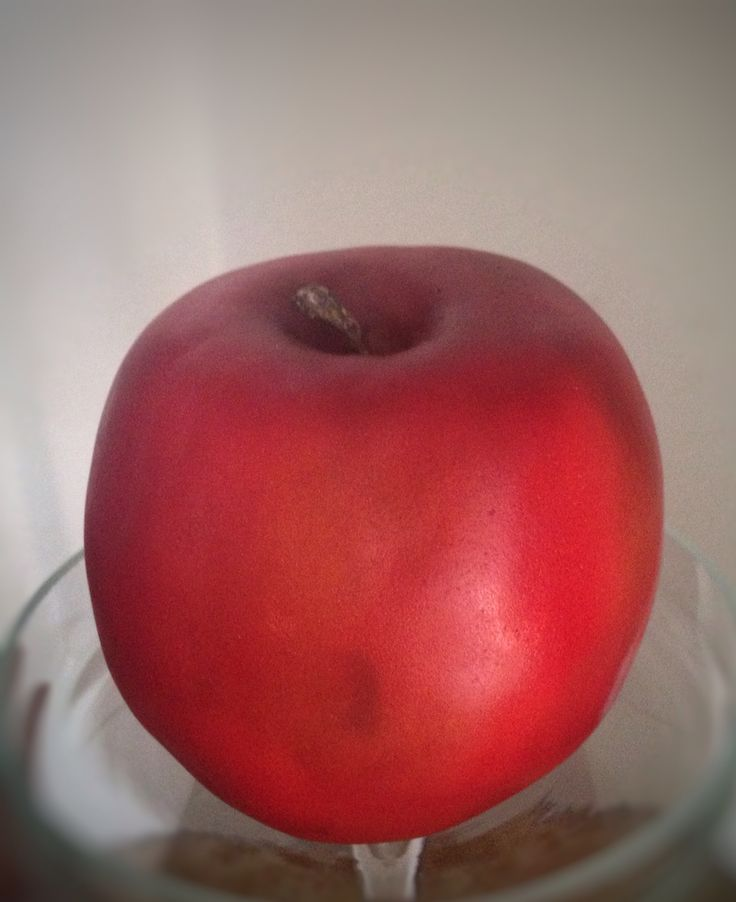 Apple for my husband,he was seduced by chocolate