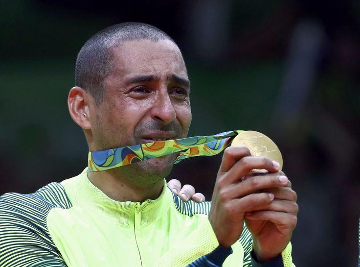 Serginho é MVP, e seleção olímpica tem Bruninho, Wallace e Lucarelli…