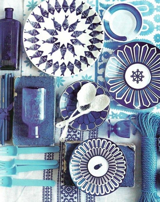 Blue + white plates #table setting
