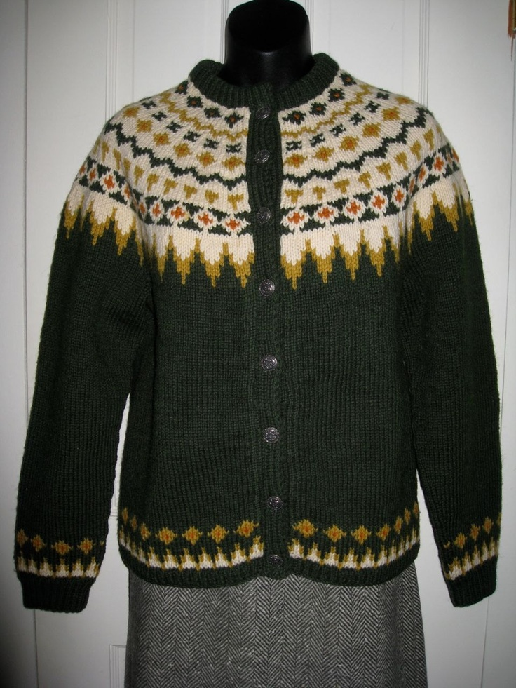 Label- Siril Sweater Shop, HandKnitted 100% Wool, Made in Norway, Karl Johansgt 27, Oslo 1
